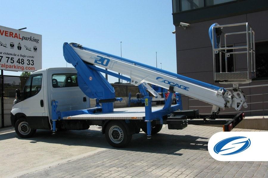 plataforma elevadora sobre camión ForSte20T cesta Socage