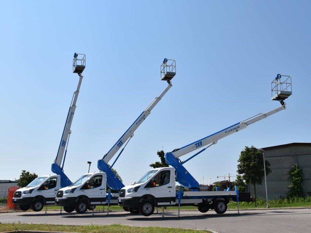 Camiones con cesta elevadora 18T en altura