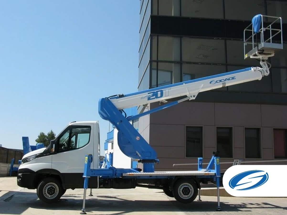 plataforma elevadora sobre camión ForSte20T gran alcance Socage