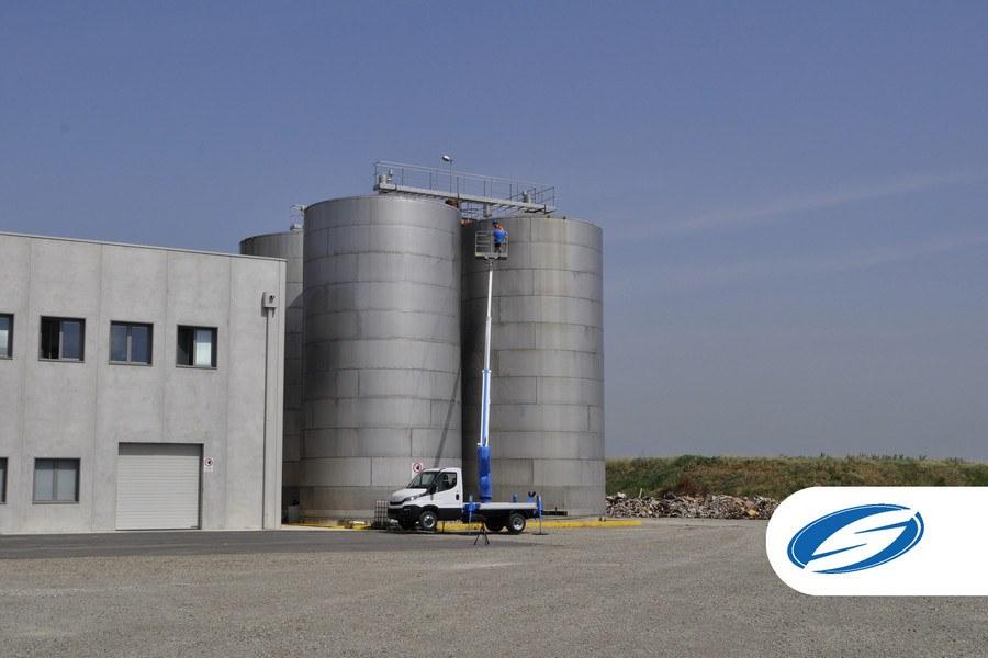 Camiones con cesta elevadora forSte 18T Iveco