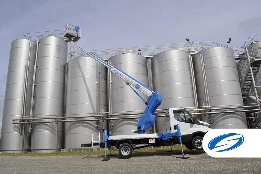 Camiones con cesta elevadora forSte 18T estabilización speed