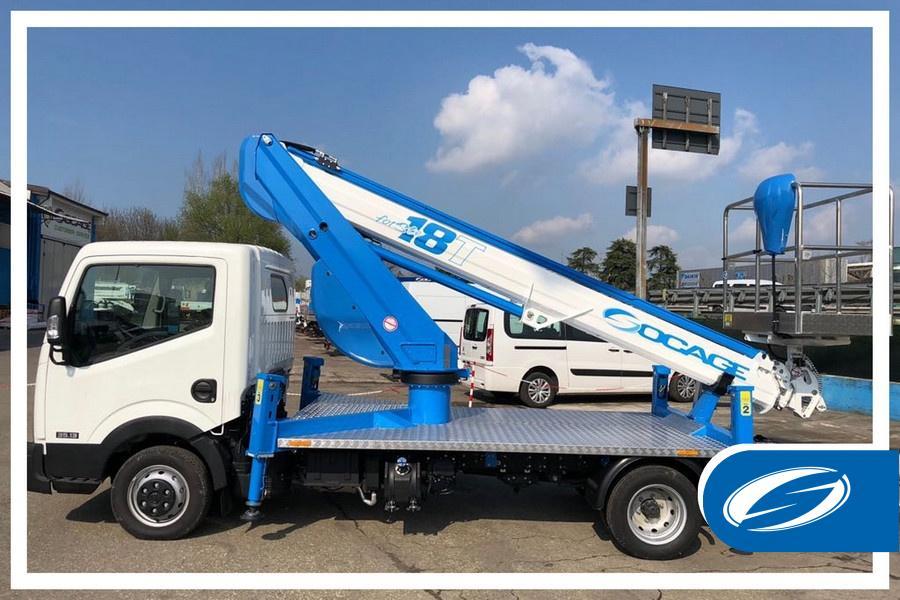 Camión con cesta elevadora 18T: ideal en construcción